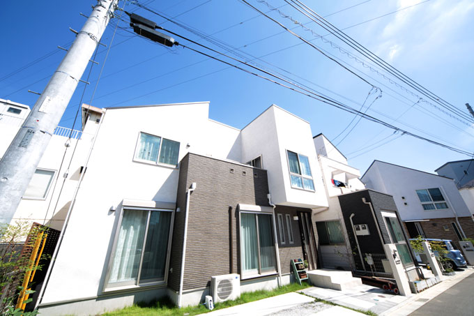 凹凸美の家