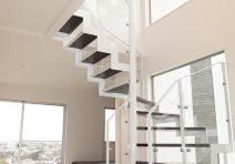 大きな吹き抜け階段のある家|注文住宅の実例