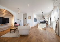 自然素材を意識したカフェスタイルの家|注文住宅の実例