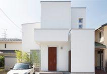 段差を生かして空間を広げた光溢れる家|注文住宅の実例