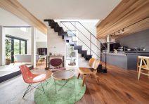 中庭を囲むリビングが家族を繋ぐ開放的な家|注文住宅の実例