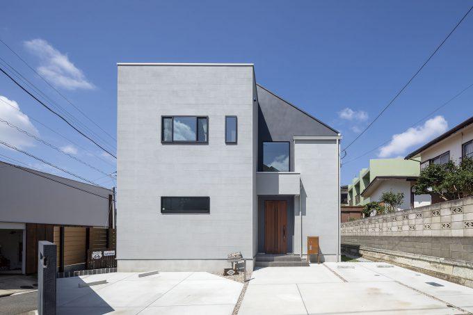 家事導線を考慮したそれぞれの空間で家族の気配を感じる家(外観)